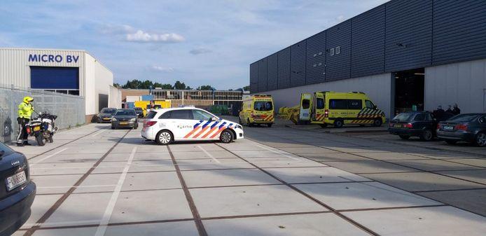Hulpdiensten waren uitgerukt na de melding van een bedrijfsongeval aan de Industrieweg.