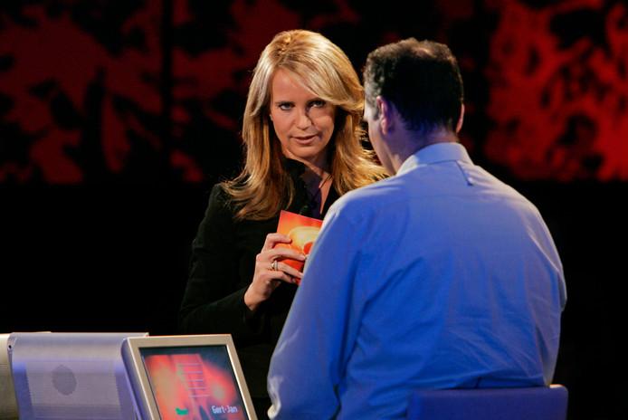Linda de Mol als presentatrice van De Slimste Mens.