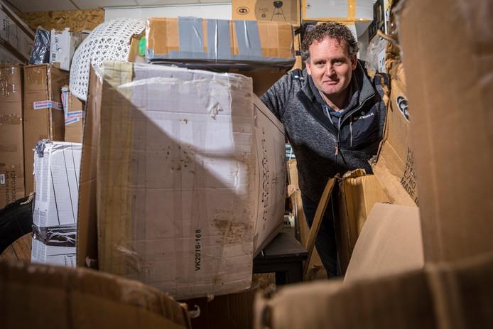 Erik Bouwknegt: nieuwe goederen in oude dozen.