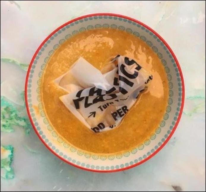 Een Tas Eten In 'plastic' Zit Je SoepKokenamp; Straks Er Kommetje nwPX0Ok8