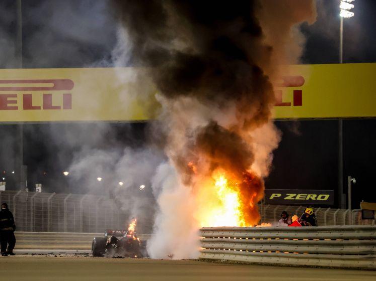 Wagen over de kop en explosie in de vangrail: Verstappen op 2 en Albon op 3 in bizarre GP Bahrein