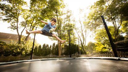 De sprong van de trampoline naar het ziekenhuis is rap gemaakt: expert legt uit hoe (on)veilig het is