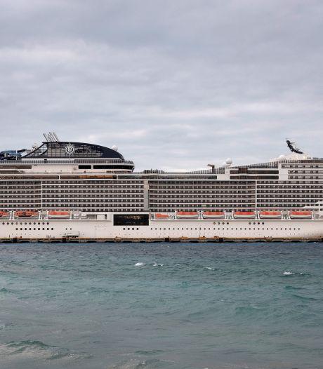 Chaos op cruiseschip door coronavirus: vechtende passagiers, crew gebruikt pepperspray