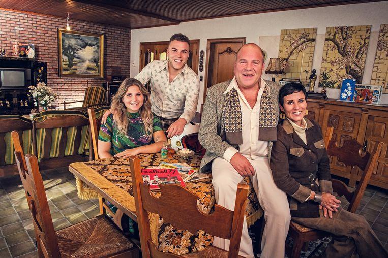 Sergio met zijn kinderen Steffi en Gill en zijn vrouw Sophie in 'Groeten uit'.