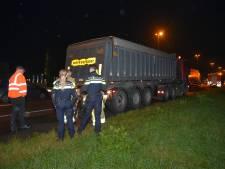 Vrachtwagen met pech zorgt voor file op A73 bij Beuningen