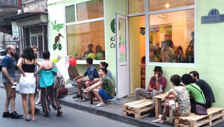 Het Kiwi-café in Tbilisi. Beeld Facebook