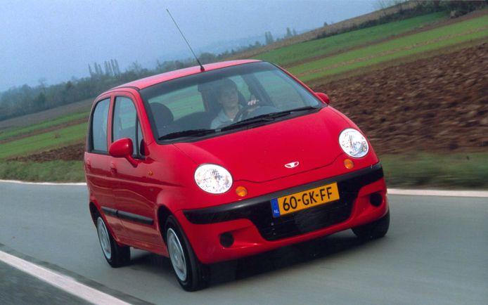 De Daewoo Matiz. Eigenaren van een Koreaanse Daewoo hengelen weinig snelheidsbonnen tegen. 19,9 procent van de bestuurders kreeg één of meer bonnen.
