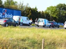 Vijf auto's botsen op elkaar op de A28 bij Nijkerk