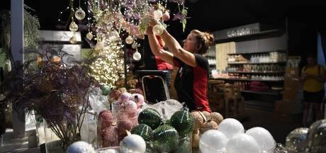 Kerstballen ophangen met 37 graden op de thermometer: 'Kerstshow begint al over zeven weken'