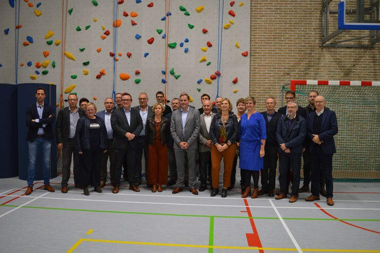 Vernieuwde sportzaal voor VTI en De Ast Poperinge