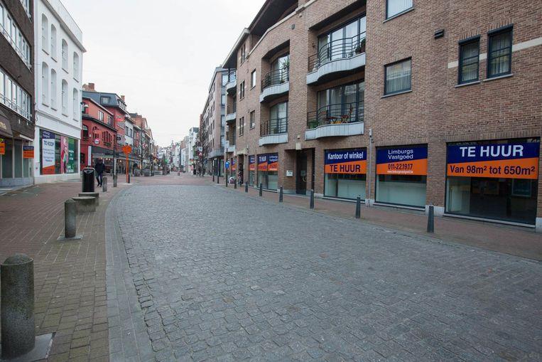 Een beeld van de winkelstraat in Hasselt, waar nog heel wat lege winkelpanden staan.