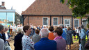 De officiele opening van Kunst in de Etalage trok tientallen belangstellenden.