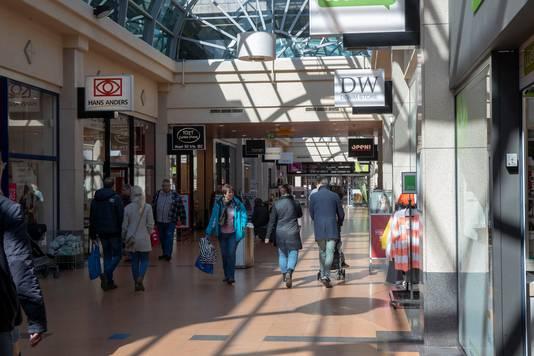 Overdekt winkelen in Veenendaal, in de winkelpassage Corridor.