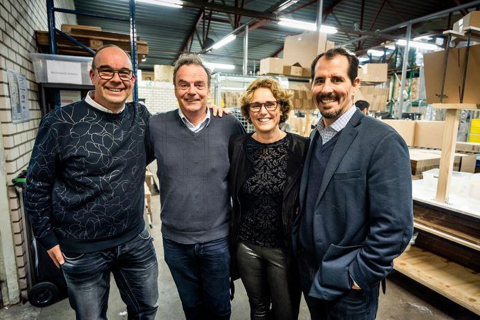 Van links naar rechts: Marco Kluwen van MamaLoes, Jos Verhoeven van Start Foundation, Loes de Volder van MamaLoes en Mike Brady van Greyston.