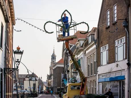Van badderen in de IJssel tot ophangen van kerstversiering; het scheelt 2 dagen in Kampen