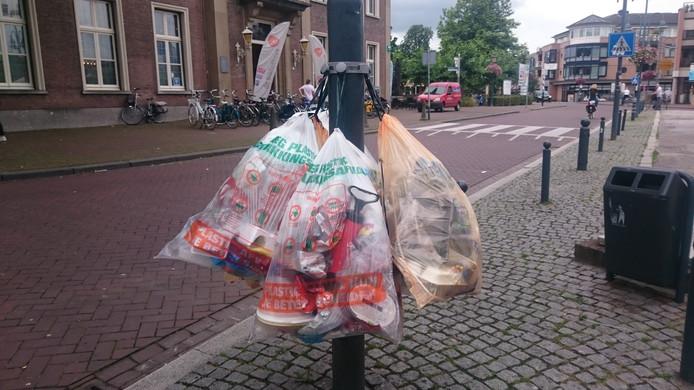Plastic afval in een zak.