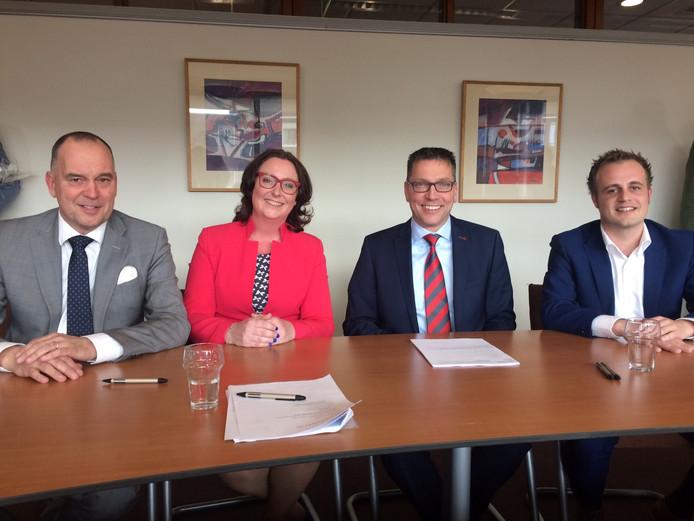 Het nieuwe college van Uden. Vlnr Maarten Prinssen, Ingrid Verkuijlen. Franko van Lankvelt en Gijs van Heeswijk.