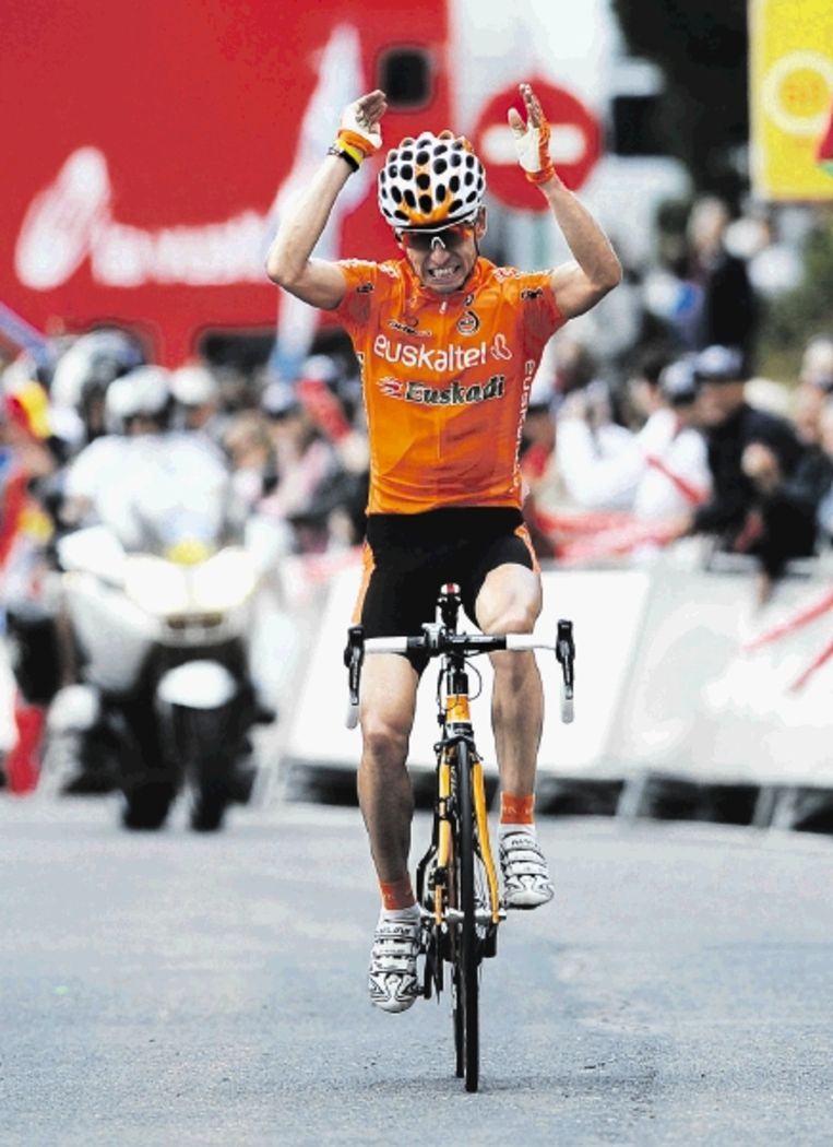 Igor Anton herovert met zijn ritzege in de elfde etappe de leiderstrui in de Vuelta. (FOTO REUTERS) Beeld REUTERS