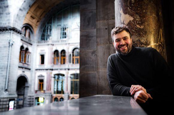 Jochem Peeters van Full Circle in het Centraal Station, waar hij een uitverkocht oudejaarsavondfeest organiseert.
