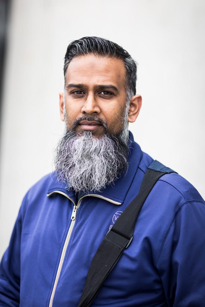 Shabier Abdool Azeezkhan (40)