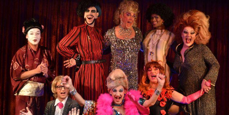 Het Amsterdamse travestiecabaret bestaat sinds 1996 en is gespecialiseerd in 'onverantwoord amusement'. Beeld Geert Timmerman