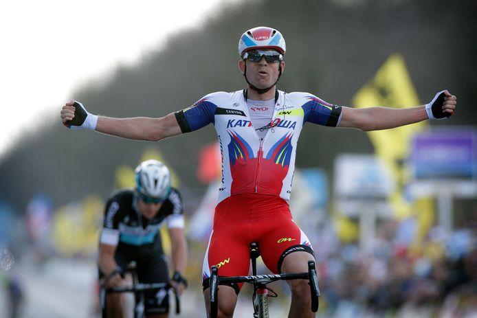 Alexander Kristoff klopt Niki Terpstra en wint de Ronde van Vlaanderen in 2015.