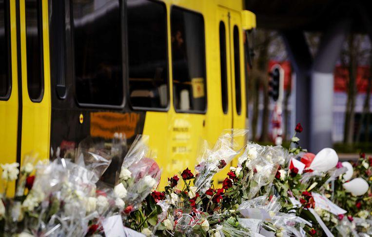 Een tram rijdt langs het 24 Oktoberplein, een week na de aanslag. Beeld ANP