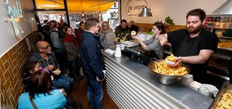 Dringen voor gratis patat