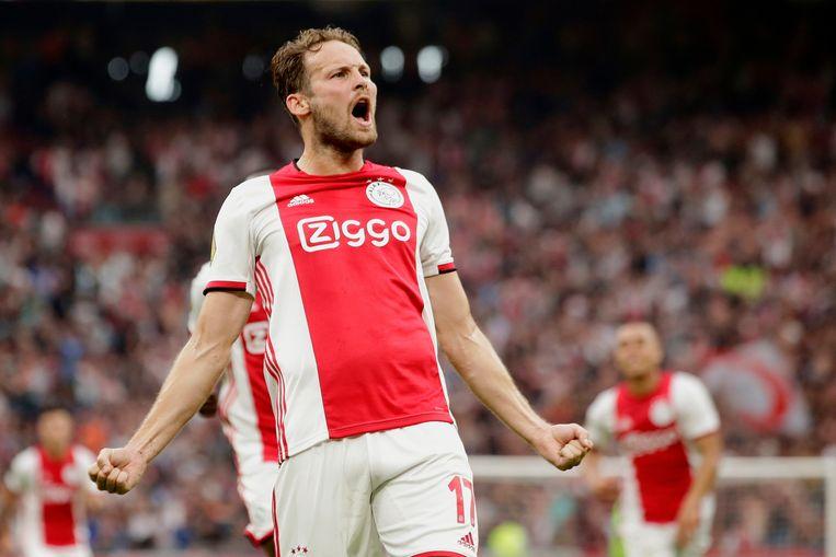Daley Blind viert de 2-0 tijdens Ajax-PSV. Beeld BSR Agency