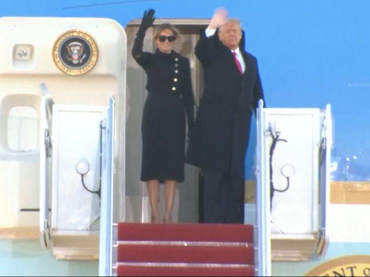 """Donald Trump prend une dernière fois l'Air Force One en musique sur """"YMCA"""" et """"My Way"""""""