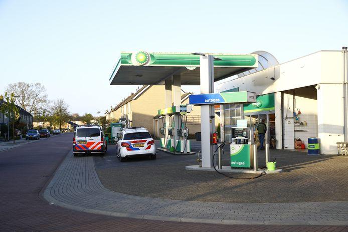 Het tankstation aan de Vrijheidsstraat in elburg dat vanochtend werd op 17 april overvallen.