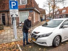 Plots maakt Zwolle een inhaalslag bij de aanvragen van parkeerplekken elektrische auto's