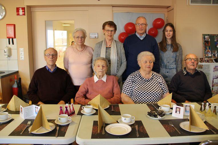 Godelieve Folens vierde haar 100ste verjaardag in Maria Rustoord.