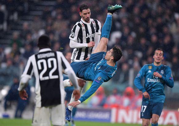 Een van de meest iconische goals van Ronaldo: z'n spectaculaire omhaal in de Champions League 2017-2018 tegen Juventus.