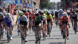 Lorena Wiebes wint in Sint-Laureins ochtendetappe van BeNe Ladies Tour, Marianne Vos blijft leider