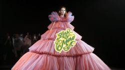 Viktor & Rolf combineren haute couture met memes