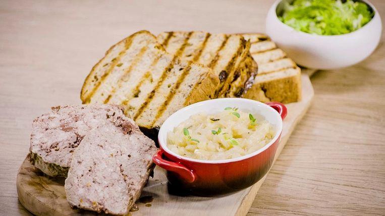 Notenbrood met chutney en paté.
