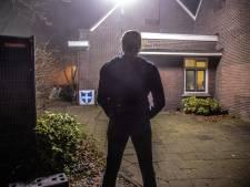 Nabestaanden Henk W. (52) emotioneel bijeen op plaats delict in Zwolle: 'Papa!'