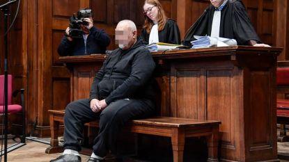 """Man riskeert 24 jaar cel omdat hij vriendin doodschoot na """"ruzie over pakje sigaretten"""""""