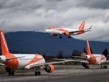 Chaos in Brits vliegtuig: vrouw hoest in gezichten passagiers en schreeuwt dat 'iedereen doodgaat'