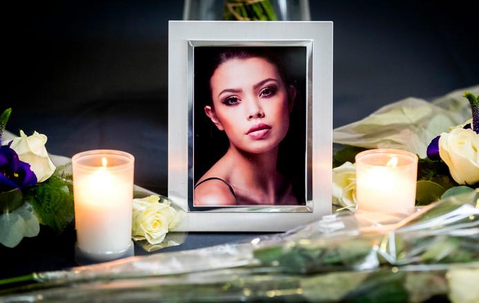 Een foto van de 19-jarige Ivana Smit tijdens de uitvaartplechtigheid. Het fotomodel overleed na een val van een balkon in de Maleisische hoofdstad Kuala Lumpur. ANP REMKO DE WAAL
