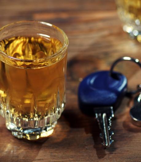 Drankrijder uit Ommen krijgt waarschuwend belletje van familielid op moment van aanhouding