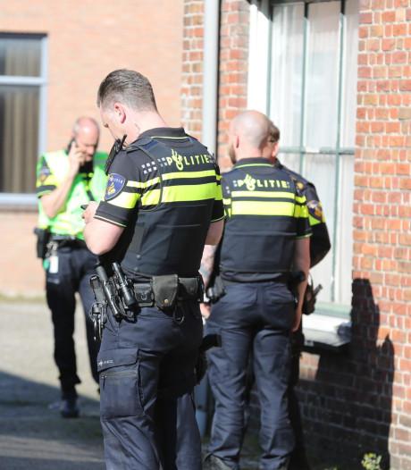 Dode Poolse man (42) gevonden in Dorpsstraat Oud Gastel, van plat dak gevallen
