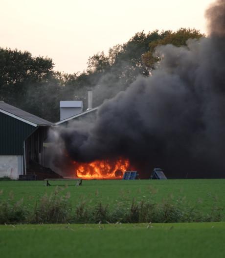 Trekker in vlammen op in Woudenberg