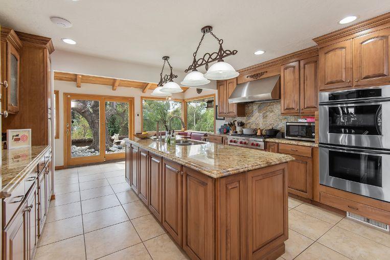De keuken kan wel een renovatie gebruiken.