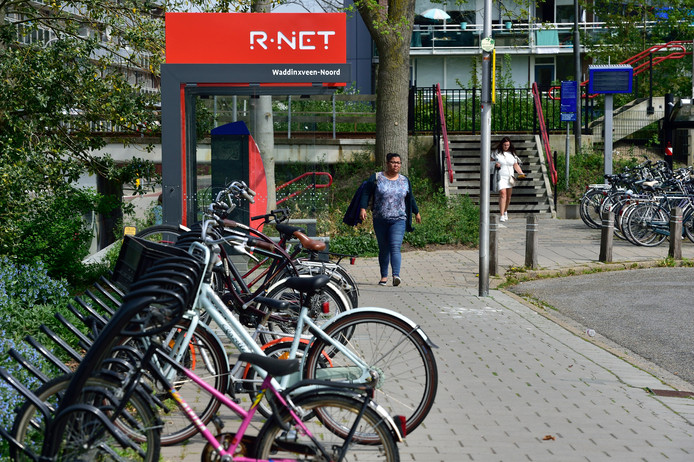 Het plein bij station Waddinxveen-Noord krijgt een opknapbeurt.