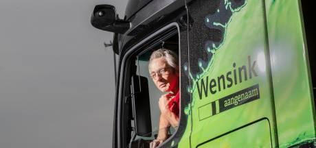 Rudy is de eerste trucker in Nederland die zonder spiegels rijdt (en zonder handen aan het stuur)
