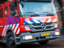 Vrachtwagen met frisdrank in brand op A27 bij Lexmond