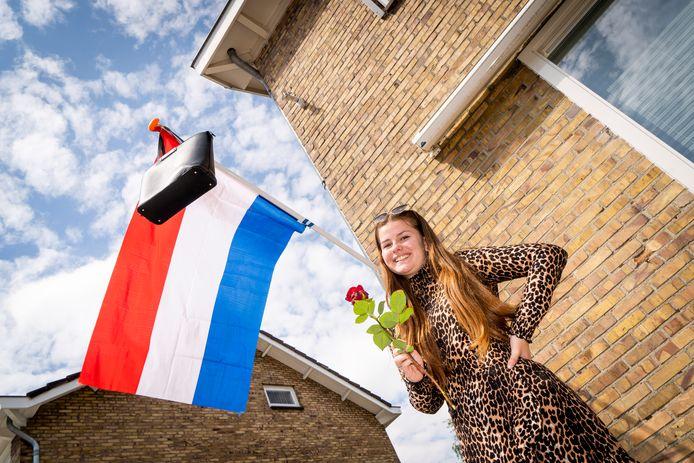 Ciska Verheij uit Nieuw-Lekkerland is blij dat ze geslaagd is voor de mavo, maar dit jaar is het toch allemaal een beetje anders.