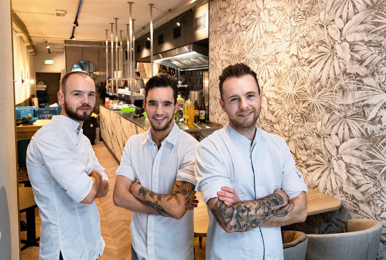 Nieuw restaurant op het Stratumseind met Jip, Jesse en Yelle Goyvaerts (vlnr).